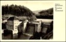 """Siedlęcin - zapora wodna na Bobrze - w głębi jezioro Modre i schronisko """"Perła Zachodu"""" [Dokument ikonograficzny]"""
