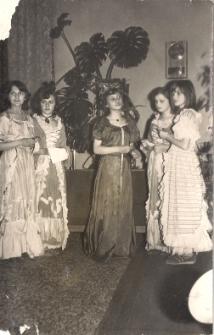 """""""Biały wrzos""""- legenda mazurska - w wykonaniu czytelników Oddziału Dziecięcego MBP w Jaworze 1978 r., zdjęcie 15"""
