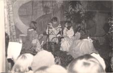 Legenda o Liczyrzepie w wykonaniu czytelników Oddziału Dzieciecego MBP w Jaworze 1978 r., zdjęcie 4