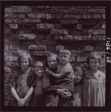 [Dzieci - Jelenia Góra 1958] [Dokument ikonograficzny]