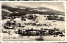 Przesieka - widok zimą na tle Karkonoszy [Dokument ikonograficzny]