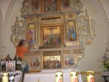 Rzeźby - montaż w kościele [Dokument ikonograficzny]