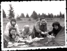 Wycieczka pracowników Domu Książki (fot. 1) [Dokument ikonograficzny]