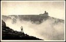 Karkonosze - widok z brzegu Śnieżnych  Kotłów, widoczne schronisko Nad Śnieżnymi Kotłami [Dokument ikonograficzny]