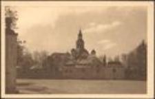 Jelenia Góra - kościół pw. Podwyższenia Świętego Krzyża - widok od strony pn., widoczne Kaplice Grobowe [Dokument ikonograficzny]