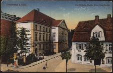 Hirschberg i. Schl. Die Wilhelm-Strasse, Ecke Berg-Strasse [Dokument ikonograficzny]