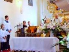 Kościół p.w. św. Jana Chrzciciela w Mysłowie - uroczyste odsłonięcie rzeźb 2 [Dokument ikonograficzny]