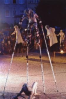 """[25. MFTU 2007 Jelenia Góra - Teatr InZhest """"X-Tradition""""] (fot. 9) [Dokument ikonograficzny]"""
