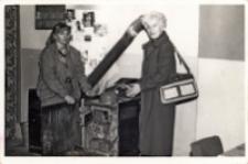 Wizytacja świetlicy wiejskiej w Piekarach w ramach Ligi Klubów, 26.11.1986 r. [Dokument ikonograficzny]