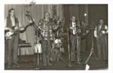Zabawa karnawałowa Klubu Seniora, 12.01.1988 r. (fot. 1) [Dokument ikonograficzny]