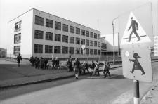 Droga do Szkoły Podstawowej nr 4 (fot. 2) [Dokument ikonograficzny]