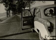 [Samochód : droga Wrocław-Jelenia Góra] (fot. 2) [Dokument ikonograficzny]