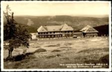 Karkonosze - schronisko Na Hali Szrenickiej, widok letni na Hale, Szklarską Porębę i Góry Izerskie [Dokument ikonograficzny]