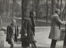 I Jaworskie Biesiady Literackie - Na tarasie przed Klubem Technika (obecnie ECMEN) maj 1977 r.